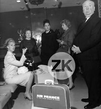 TIPPI HEDREN The Birds AIR FRANCE Film Cannes ALFRED HITCHCOCK Nice Photo 1963