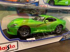 Maisto 1:18 Scale Diecast Model - 2013 Dodge SRT Viper GTS (Green)