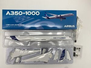Hogan Wings 1/200 Airbus A350-1000,with tripod stand,Airlines Desktop Model 4982