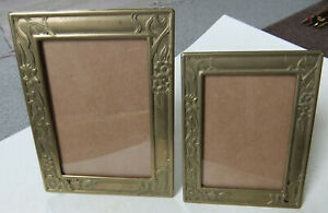 RARE, VINTAGE SOLID BRASS PHOTO FRAME WITH INTEGRAL STAND - FLORAL PATTERNS