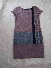 Next      size  6   NAVY WHITE AUBERGINE PATTERNED  STRAIGHT DRESS   knee length