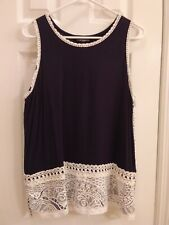 Sharagano Women's Sleeveless Blouse  Navy & White Lace Medium
