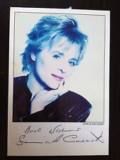 SINEAD CUSACK - POPULAR IRISH ACTRESS - EXCELLENT SIGNED PHOTOGRAPH