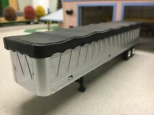 1/64TH ERTL SILVER GRAIN TRAILER W/ BLACK TARP