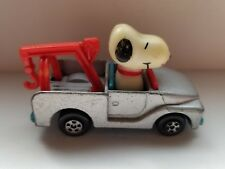 PEANUTS SNOOPY AVIVA DIECAST SNOOPY DRIVING TOW TRUCK 1966 Vintage Toy