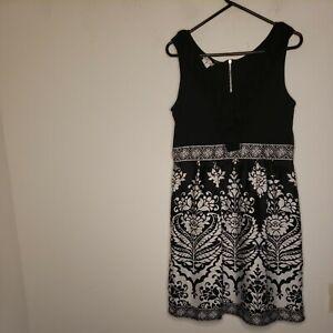 London Times Women's Dress Size 12 White Black V Neck Ruffle Floral Color Block
