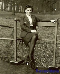 **RARE! Female Luftwaffe Helferin Blitzmädel Girl Posed Seated on Fence!!!**