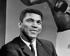 MUHAMMAD ALI AS ANALYST FOR ABC's WIDE WORLD OF SPORTS 1966  8X10 PHOTO (ZY-164)