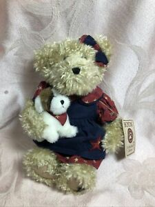 Boyds Bears Plush Lucy With Munchkin