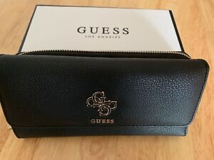 GUESS WOMEN'S BLACK LARGE PURSE/WALLET with FRONT CHROME NAME - NEW IN BOX