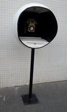 Cabine téléphonique alcove blanche sur pied space age années 70