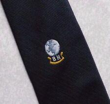 BH Globo logotipo de la empresa Corbata Vintage Retro Azul Marino 1980s 1990s corporativa por Ergon