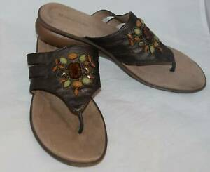 NATURALIZER JANNA BROWN WOMEN'S FAUX LEATHER BEADED SANDALS SHOES SIZE 10 W