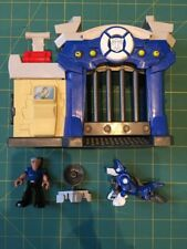 Playskool Heroes Transformers Rescue Bots - GRIFFIN ROCK POLICE STATION