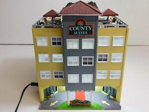 Menards HO Scale County Suites Hotel Building