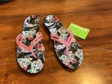 Ladies Crocs - NWT Size 8