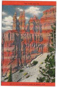 The Three Goblins,Bryce Canyon National Park, Utah c1940's Unused Linen Postcard