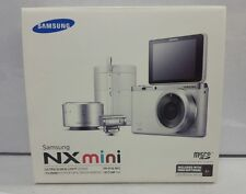 Samsung NX Mini 20.5 MP Digital Camera White Creators Kit w/ 9mm Lense READ