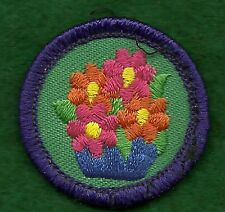VINTAGE GIRL SCOUT BADGE - JUNIOR WORLDS TO EXPLORE  PURPLE - ART N THE HOME