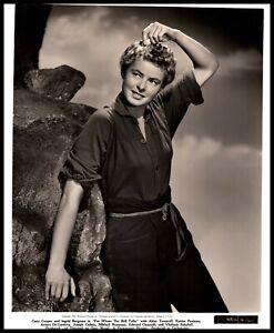 Hollywood Beauty INGRID BERGMAN 1942 ALLURING POSE STUNNING SCHAFER Photo 528