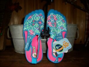 NEWTZ GIRLS WATER SHOES FOOT THEME SIZE 13-1 BLUE CASUAL VACATION POOL BEACH NEW
