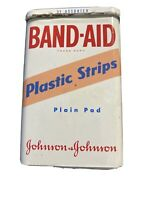 VINTAGE BAND-AID PLASTIC STRIPS JOHNSON & JOHNSON Empty Collectable Metal Tin