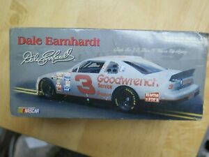 Dale Earnhardt #3 GM Goodwrench / Silver Select 1995 1/32 scale Monte Carlo