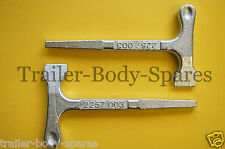 FREE UK Post - 2 x T Key Hammer Head Square Handles for Trailers Bus
