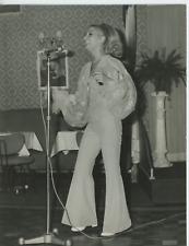 Biarritz, au cabaret, 1966 Vintage silver print Tirage argentique  18x24