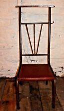 GA1 Chaise d'église en très bon état style industriel