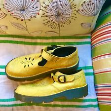 unique dr marten t-bars, size 8 uk, yellow, subtly patterned, immaculate