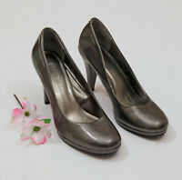 EUC Via Neroli Pearlized Gray Platform Pumps US 8M