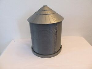 1/64 Ertl Farm Country large grain bin