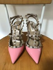 NEW $995 VALENTINO ROCKSTUD PINK PATENT LEATHER GOLD STUDDED PUMP SANDAL 38 8