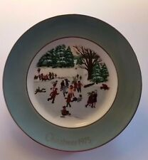 Christmas Collector Plate Avon Wedgewood Skaters on the Pond 1976 #4 Vintage