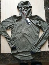 BNWT mens RAPHA HOODED WIND JACKET olive size XS RRP £160