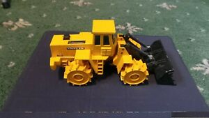 JOAL COMPACT 241 'VOLVO BM L160 COMPACTOR WITH BUCKET' 1:50