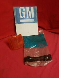 NOS GM Side Marker 94-99 GMC C1500 Lens 5977739