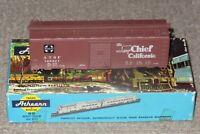 Athearn HO Scale 40 Foot Santa Fe (ATSF) Super Chief Box Car Assembled Kit New