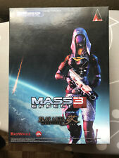 Mass Effect 3 Tali Zora vas Normandía Square Enix Play Arts Kai