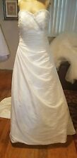 alfred Angelo wedding dress Ivory strapless floor length bust 34 waist 32 lace u