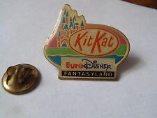 PIN'S Kitkat Euro Disney Fantasyland