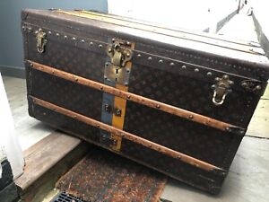 Magnificent Luxury Leather Antique Louis Vuitton Steamer Trunk