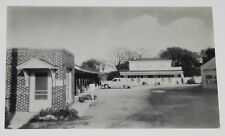 VINTAGE POSTCARD ~ HARTFORD CITY INDIANA IN WAGON WHEEL MOTEL UNUSED RPPC