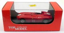 Voiture de courses miniatures argenté pour Ferrari