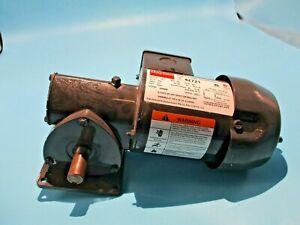 NEW DAYTON 4Z721 RIGHT ANGLE GEARMOTOR 1/8HP 115V 60:1 RATIO