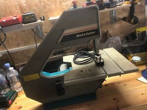 Black and Decker table top Band Saw DN330