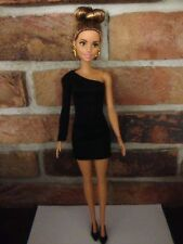 Barbie STYLE DOLL ROBE NOIRE Set (Off the épaule)