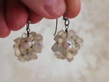 Anciennes boucles d'oreilles en argent massif, perles de culture et pierres à id