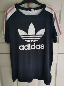 Woman's TREFOIL ADIDAS Black and Pink t shirt. Size 10. Fast Post!!